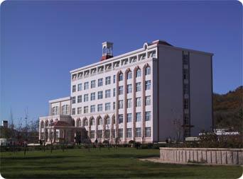 山东大学威海分校和深圳大学的金融系哪个好图片